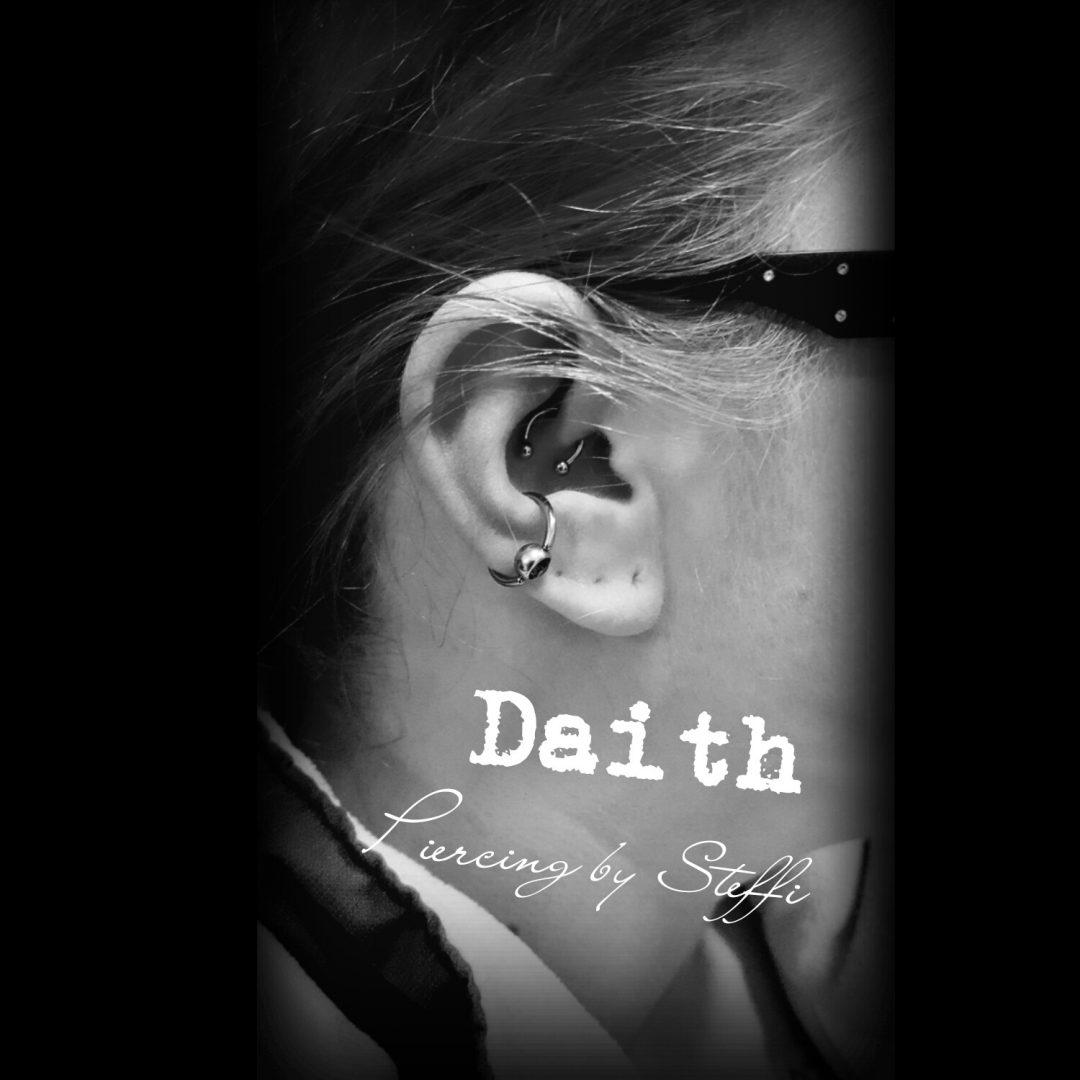 Daith-Piercing im House of Art Plettenberg